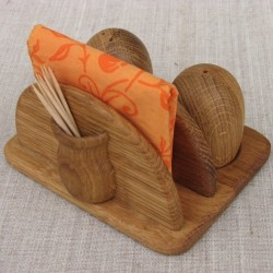 Medinis stovas servetėlėms su indeliais